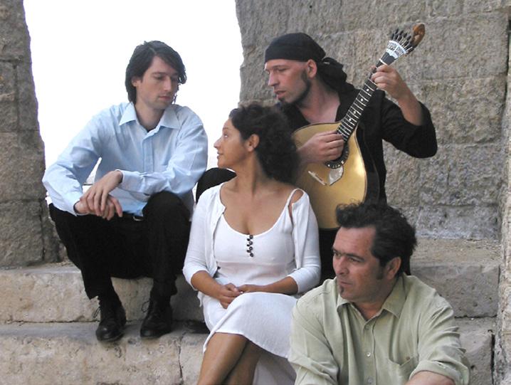 Maria Carvalho und Trio Fado